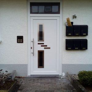 Auer_GmbH_Pirmasens_Zaun_Glas_Montage_Handwerker_Haustuer_tueren
