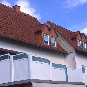 Auer_GmbH_Pirmasens_Zaun_Glas_Montage_Handwerker_balkon-18