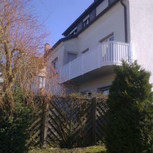Auer_GmbH_Pirmasens_Zaun_Glas_Montage_Handwerker_balkon-32