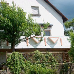 Auer_GmbH_Pirmasens_Zaun_Glas_Montage_Handwerker_balkon-40