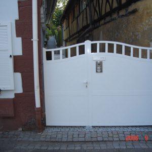 Auer_GmbH_Pirmasens_Zaun_Glas_Montage_Handwerker_tore-11